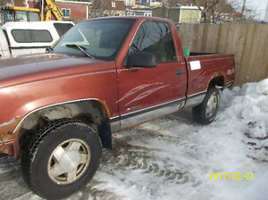 1998 Chevrolet 4 x 4 Pickup Truck + Plow