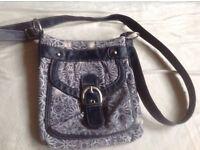 New look ladies small shoulder bag used £3