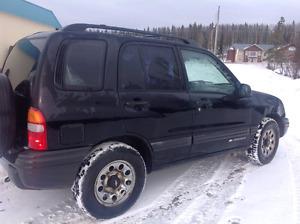 2001 Chevrolet Tracker (low km)