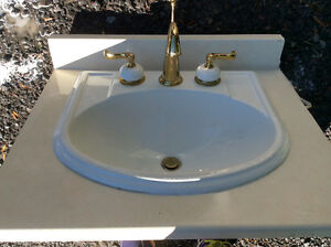 Beautiful Kohler sink and faucet