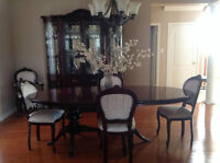 Full SOLID WOOD Dining Room set