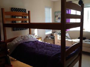 Bunk bed with 2 twin mattresses