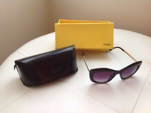 Authentic sanglasses Fendi