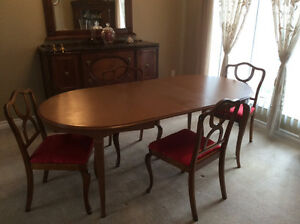 Solid Wood Dining Table + 2 Extensions, 4-Chairs Reconditioned Kitchener / Waterloo Kitchener Area image 5