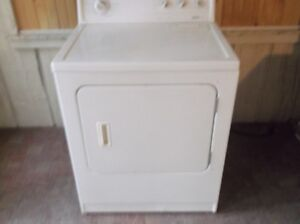 white kenmore dryer excellent working condition