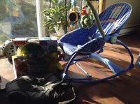 Chaise, porte-bébé, veilleuse, tapis,...