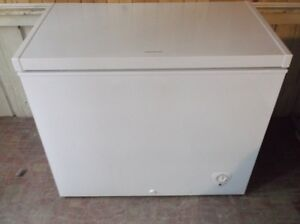 7 cubic toot frigidare chest freezer excellent working condition