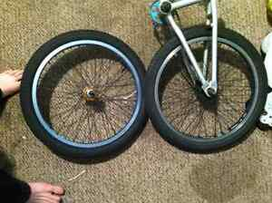 Trading frame with sprocket and rim+tires
