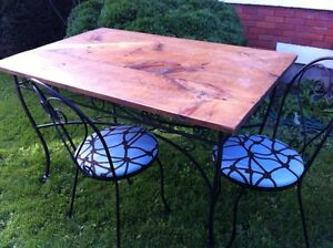 Kitchen table with 4 chairs. Word iron