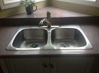 Kitchen sink and faucet!!!!