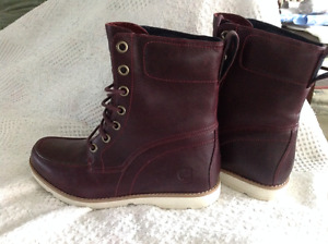 BRAND NEW ladies Timberland Leather boots