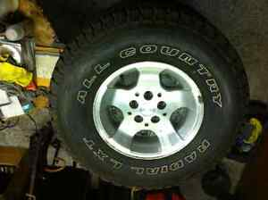 Winter tires and jeep rims 31x10.50 r15 109s mud and snow