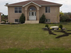 Beautiful quiet living home available in East Steinbach