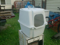Enclosed Litter Box