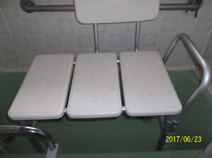 WHITE DOUBLE SHOWER SEAT