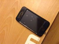 iPhone 4s w/ Bell 8GB