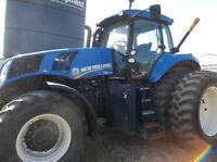 2011 NEW HOLLAND T8 275 TRACTOR