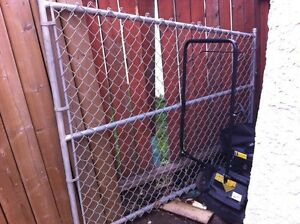 Chain link angle gate