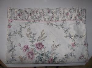 Country/Victorian Queen Size Duvet Bedding Set