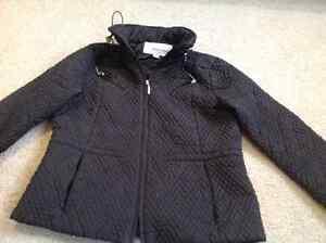 Black water proof, medium jacket with hoodie. Kitchener / Waterloo Kitchener Area image 1