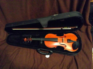 GEWA Ideale violin, full size with case and bow
