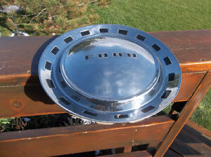 1952 & early 1953 flathead Ford full size 15 inch hub cap London Ontario image 1
