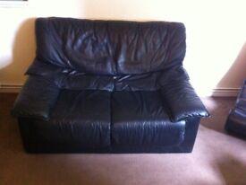 2x sofas £60