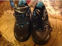 Brand new Phylonx men's trainers size: 6/39 black £5