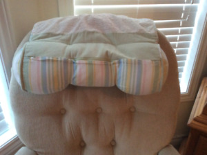 Feeding head rest cushion
