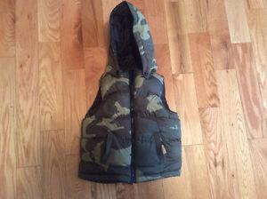 Camo vest reversible size 2YRS