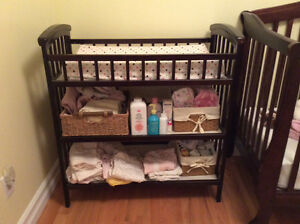 Changing table, mint condition, very solid, text or call