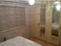 Double Room in Houseshare to Rent in Caerffili