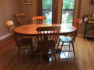Dining room table and six chairs for sale