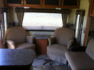 28 1/2 foot Starcraft Travel Trailer Kawartha Lakes Peterborough Area image 9