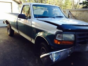 1996 Ford F-150 Pickup Truck(parts truck)