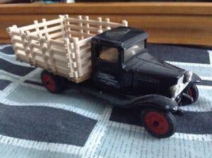 ERTL co. 1930 Chevrolet Stake Truck (1:43) diecast