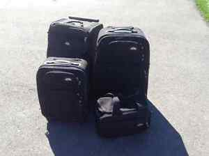 Samsonite 4 piece of luggage