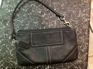 Coach Small Wristlet Hand Purse/wallet