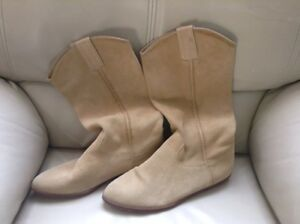 Women's Suede Boots Size 9B