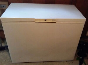9 cubic foot freezer. EUC