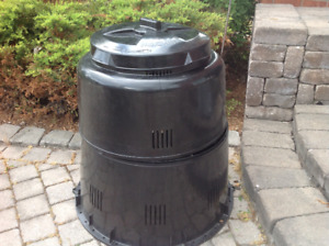 Earth Machine Backyard Composter