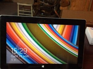 Tablette Microsoft Surface 32GB RT