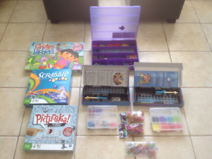 2sets of Rainbow loom and board games