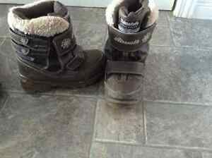 Girls Airwalk winter boots size 13