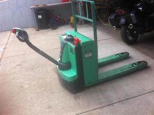 Forklift repairs,parts,sales,rentals Revelstoke British Columbia image 8