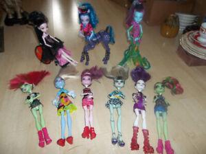 9 Poupées Monster High