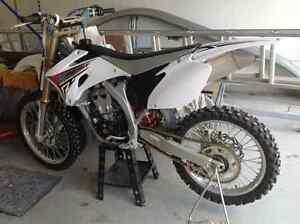 Yamaha YZ250F motocross 4 temps
