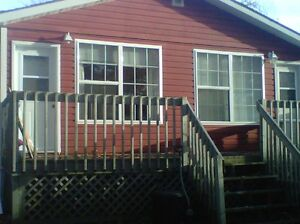 Waterfront, Duplex Bachelor Cabin, Fall River