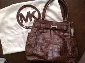 EUC Authentic Michael Kors Bag  Oakville / Halton Region Toronto (GTA) image 1