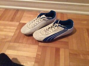 Puma kid soccer shoes
